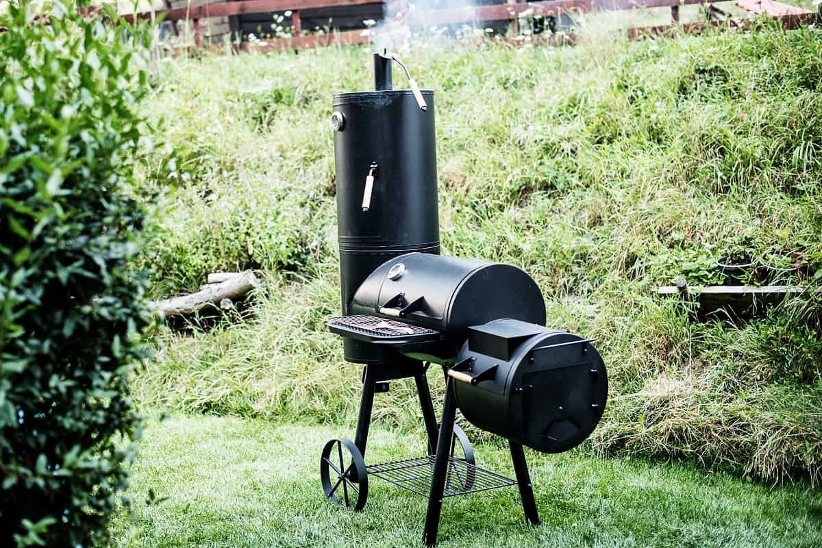 Do You Use Wet Wood Chips in an Electric Smoker